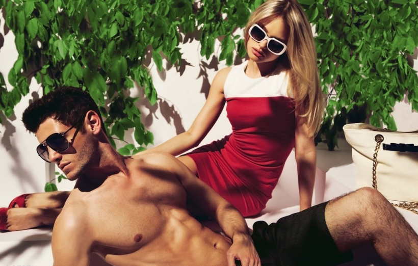 hook up bisexual couples